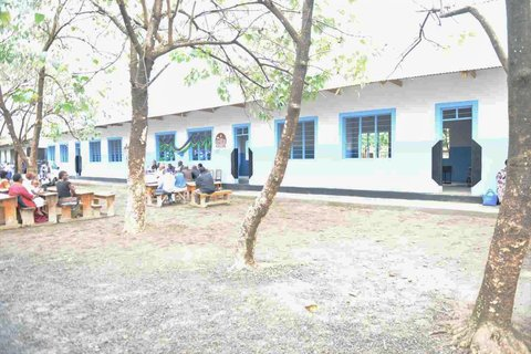 A new 4-classroom building for Kati