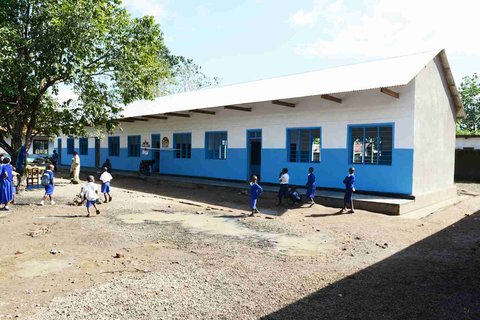 A fantastic 4-classroom building for Mwenge